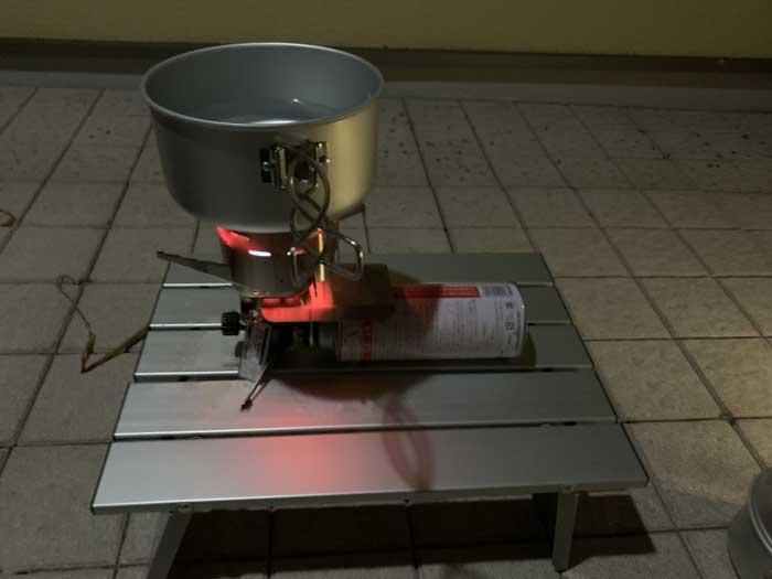 スノーピークアルミパーソナルクッカーでインスタントラーメンを作る